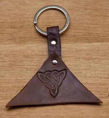 """Sleutelhanger van leer """" Keltisch knoop """" Donker bruin"""