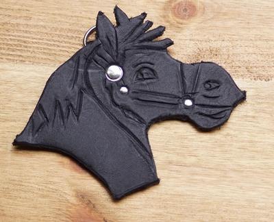 """Sleutelhanger van leer """" Paard """" Zwart"""