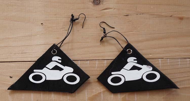 """Oorbellen """" Motor """" zwart / wit"""